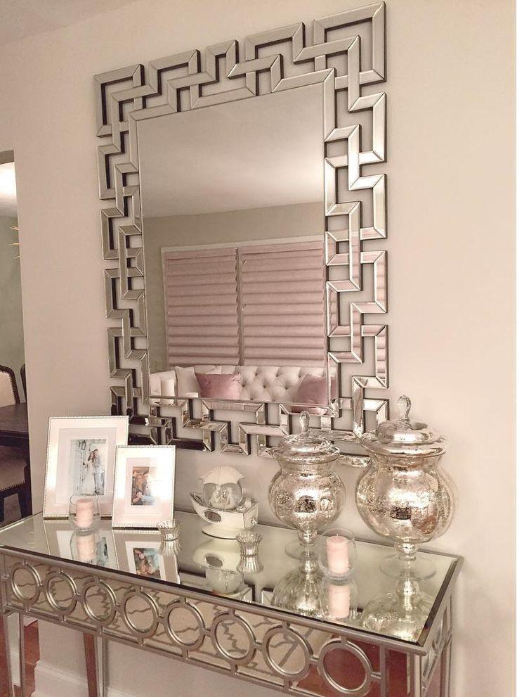 Maja spegel