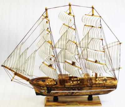 Segelbåt handgjort stor_inredning_modellskepp Confection